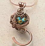 DIY wire wrapped jewelry is easy - just see this free tutorial!