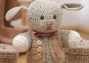Free Amigurumi Tutorial #4: Sir Stephen crochet bunny