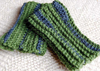 Learn to Crochet Gloves: Listening to Color Mitts