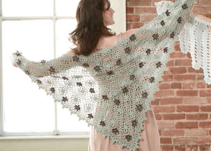 Promenade Shawl by Kathryn White