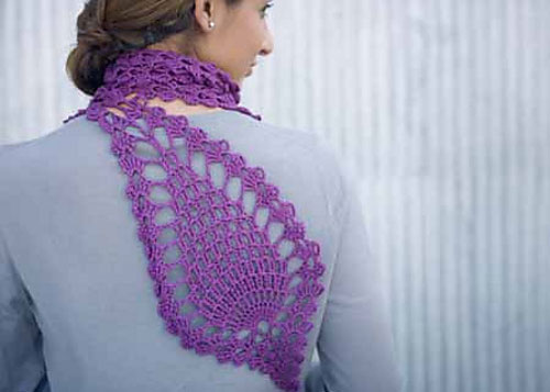 Learn how to crochet a scarf like this pineapple motif design!