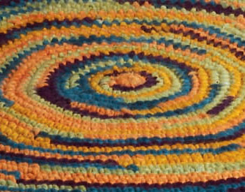 Learn how to crochet in the round with this easy rug crochet pattern.