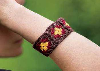 Granny Squares Patterns: Bangle Bracelet by Marilyn Murphy