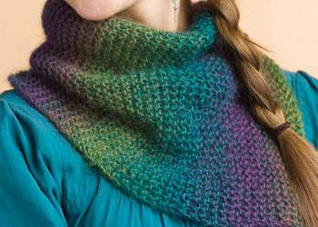 Easy Cowl Pattern: Rainbow Cowl by Lisa Shroyer