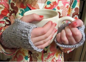 Easy Mitten Knitting Pattern: Easy-Peasy Fingerless Mitts