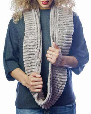 Knitting infinity scarves is fun and easy thanks to this free eBook.