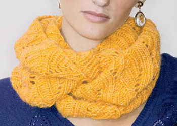 Infinity Scarf Pattern Free: Maryse Cowl by Amy Christoffers