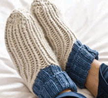 Free Knitting Patterns Slippers: Ribby Slipper Socks