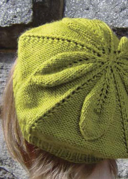 Create stunning knitted accessories including this knit beret pattern when you download your free eBook.