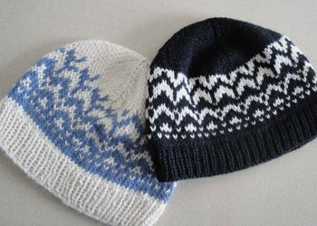Easy Knitted Gifts: The Two-Color Hat