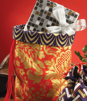 Get step by step instructions for all sorts of holiday and Christmas sewing projects.