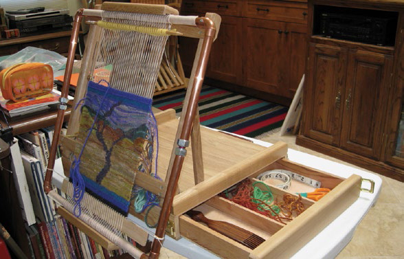 Learn how to make a tapestry loom stand easily with nothing more than an art easel!