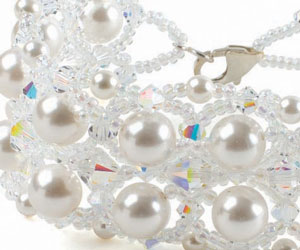 Learn all about pearl beading, knotting and more with this free eBook.