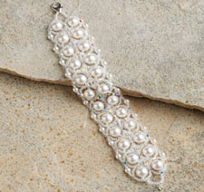Get this quick project for combining crystals with pearl beads