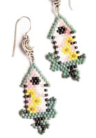 Make beautiful beaded jewelry with these free peyote patterns!