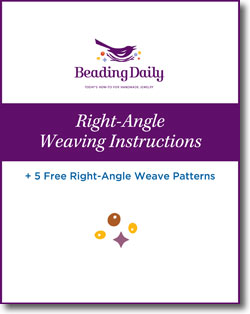 Learning how to right-angle weave with beads is easier than you think with these 5 FREE right angle weave patterns from Beading Daily.