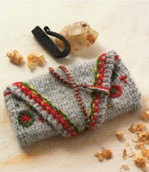 A Tinder Pouch to Knit