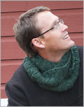 Cowl knitting patterns for men: Nederland Circle Scarf
