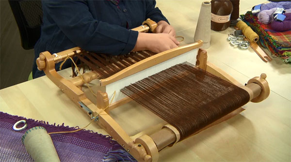 Weaving A No Sew Blanket